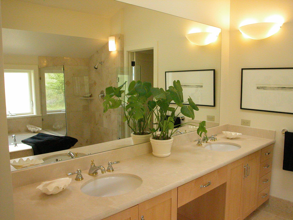 01_MasterBath_Vanity1_Oak Glen.JPG