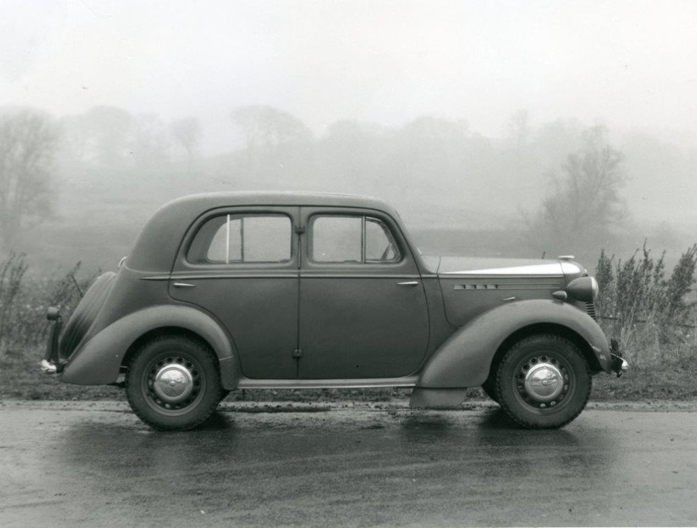 1937 Vauxhall Model H, a GM masterpice with monocoque shell and independent front suspension.