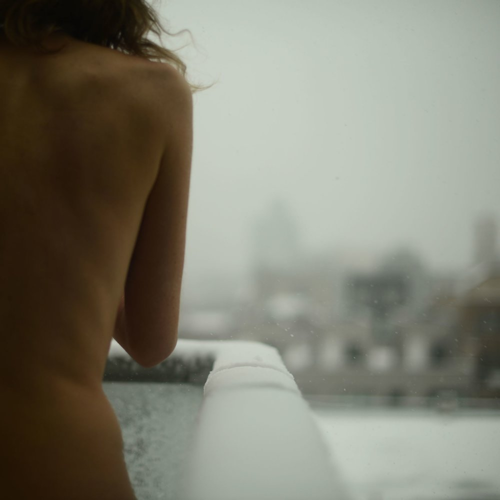body_nude_4_naked_brooklyn_snow_1.jpg