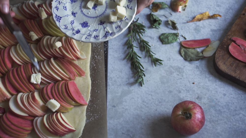 rosemary apple tart