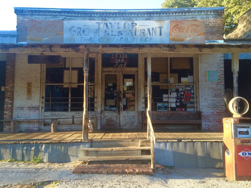 Taylor Grocery, Taylor MS.jpg