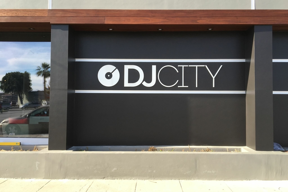 businesssign_acrylicletters_djcity_culvercity_premiumsignsolutions