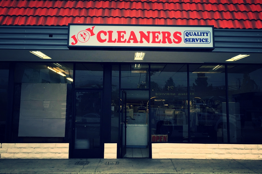 JoyCleaners_Lightbox_CustomBusinessSign_StorefrontSign_StudioCity_PremiumSignSolutions