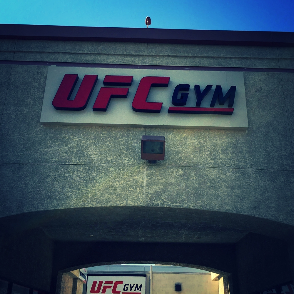 UFCGym_ChannelLetters_BusinessSign_Northridge_PremiumSignSolutions