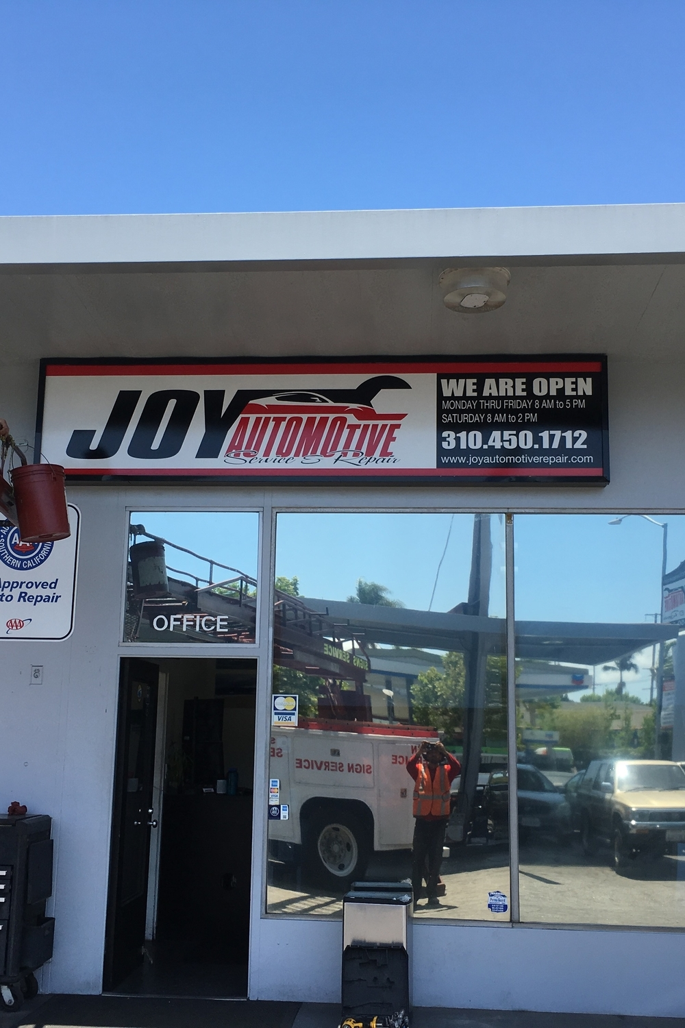 PylonInsert_MoreJoyAutomotiveRepair_SantaMonica_PremiumSignSolutions