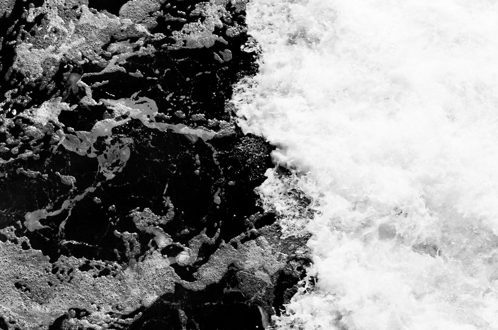 waves-film-2-bw-cameliamanea.jpg