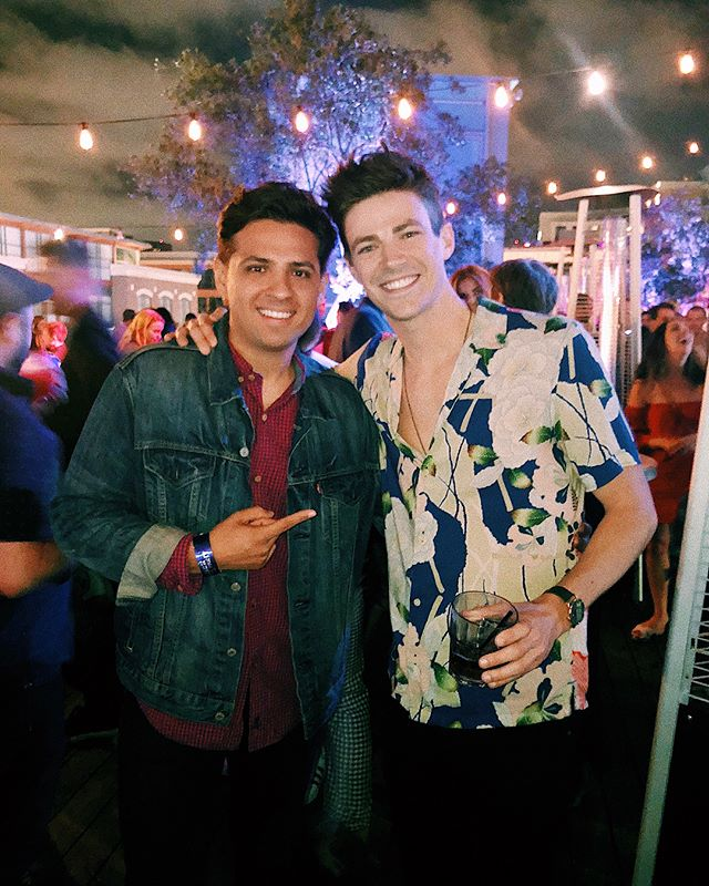 Such a fun time this past weekend at Comic-Con 2018! Another one for the books! Love being around so many talented artists, cosplayers, and filmmakers!  So good seeing & catching up with my long time bro @grantgust and making some new friends along the way   @natalynlind @camimendes etc.. Also, really great spending some time with my amazing agent @tinarandolph. Special thanks to my 'sis' @kristienmorato for always making every adventure together a epic memory! Til Next year SDCC 👾🖖🏼 #comiccon #comiccon2018 #sdcc #sdcc2018 #panels #actors #entertainmentweekly #warnerbros #cw #hulu #marvel #dccomics