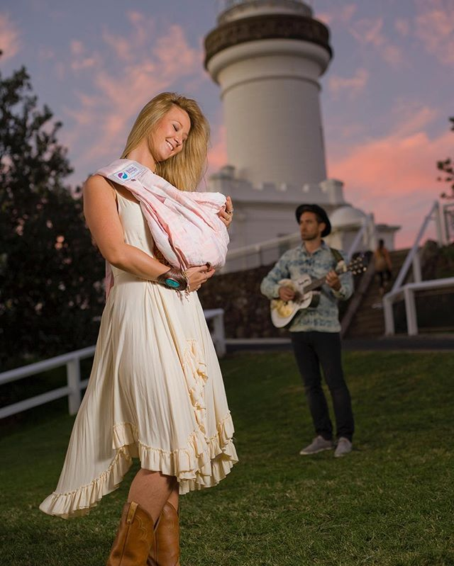 Rocking it out at the Lighthouse in Byron Bay with Jess and @mickascene the sky really turned it on for us that day. The pastel tiedye Baba Sling matched the sky. . . . . . . . #pastel #tiedye #babasling #babaslings #babyslings #baby #babyshower #babyshowergift #babyshowerideas #australiandesign #byronbay #byronbaylighthouse