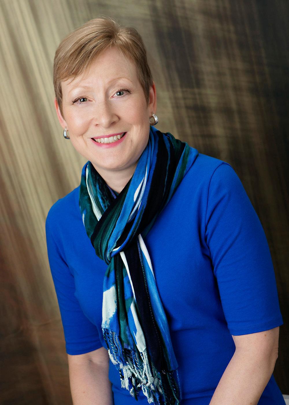 Elizabeth McKenna Author Photo.jpg