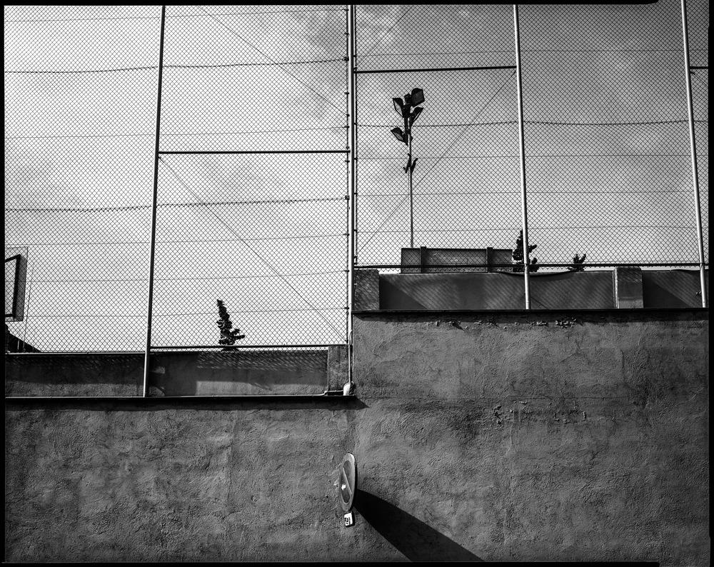 Fence_light_barcelona.jpg
