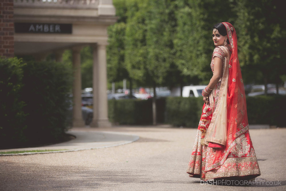 Asian Gujurati wedding captured by Dash Photography in 2017 at Dhitton Manor & The Grove in Watford