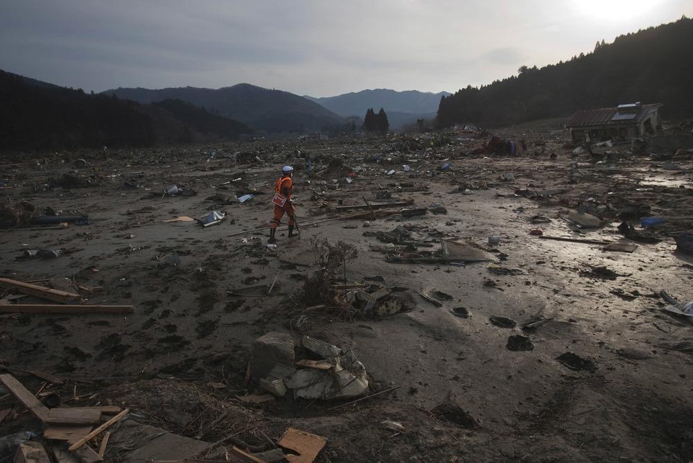 JapanTsunami110.jpg