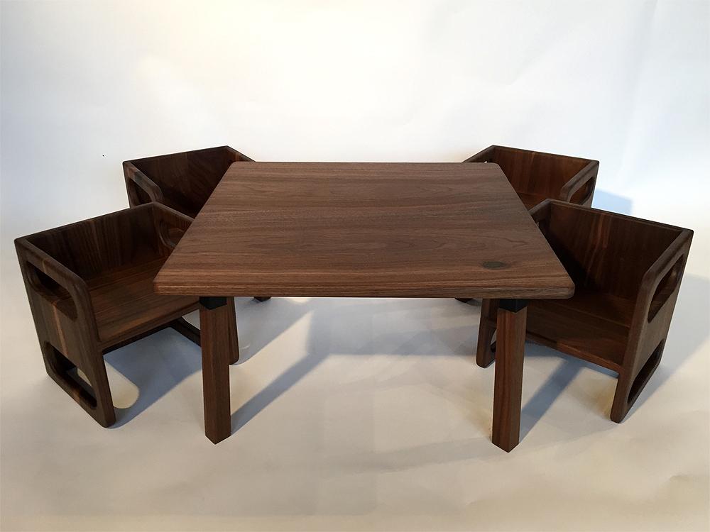 Ella Adams Kidsu0027 Table And Cube Chair Set