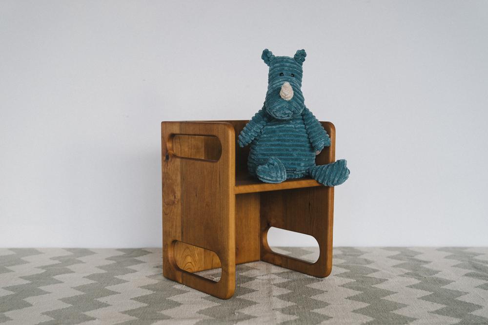 Merveilleux Ella Adams Kidsu0027 Table, Large Cube Chair, And Normal Cube Chair Set