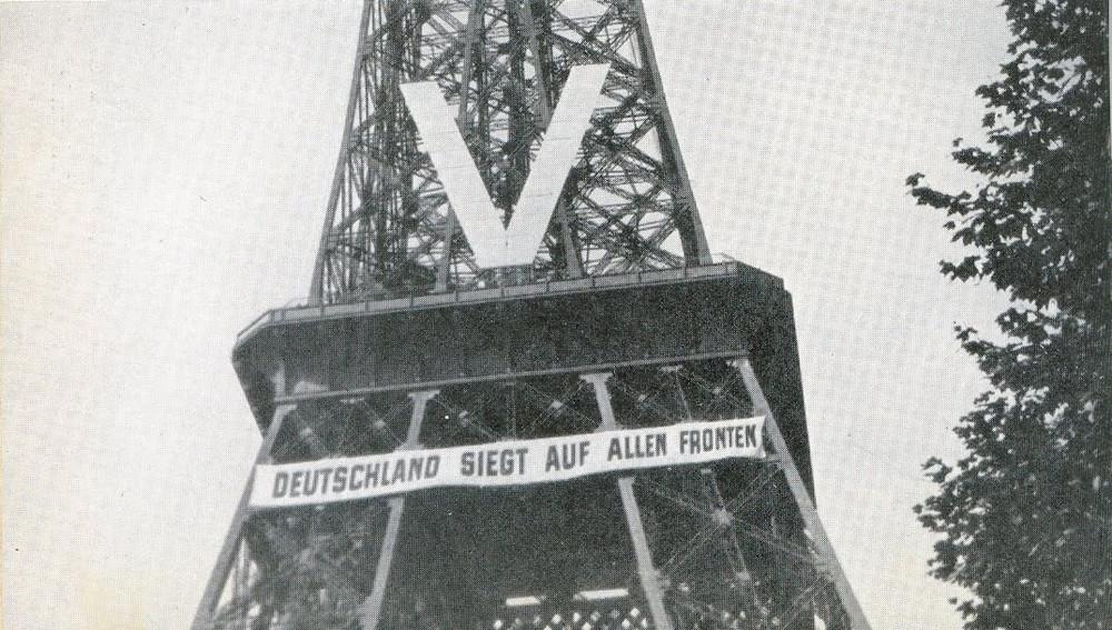Eiffel Tower occupied in ww2.jpg
