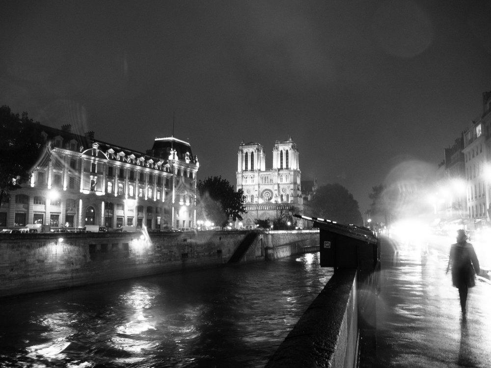 Ghosts in the rain, Paris