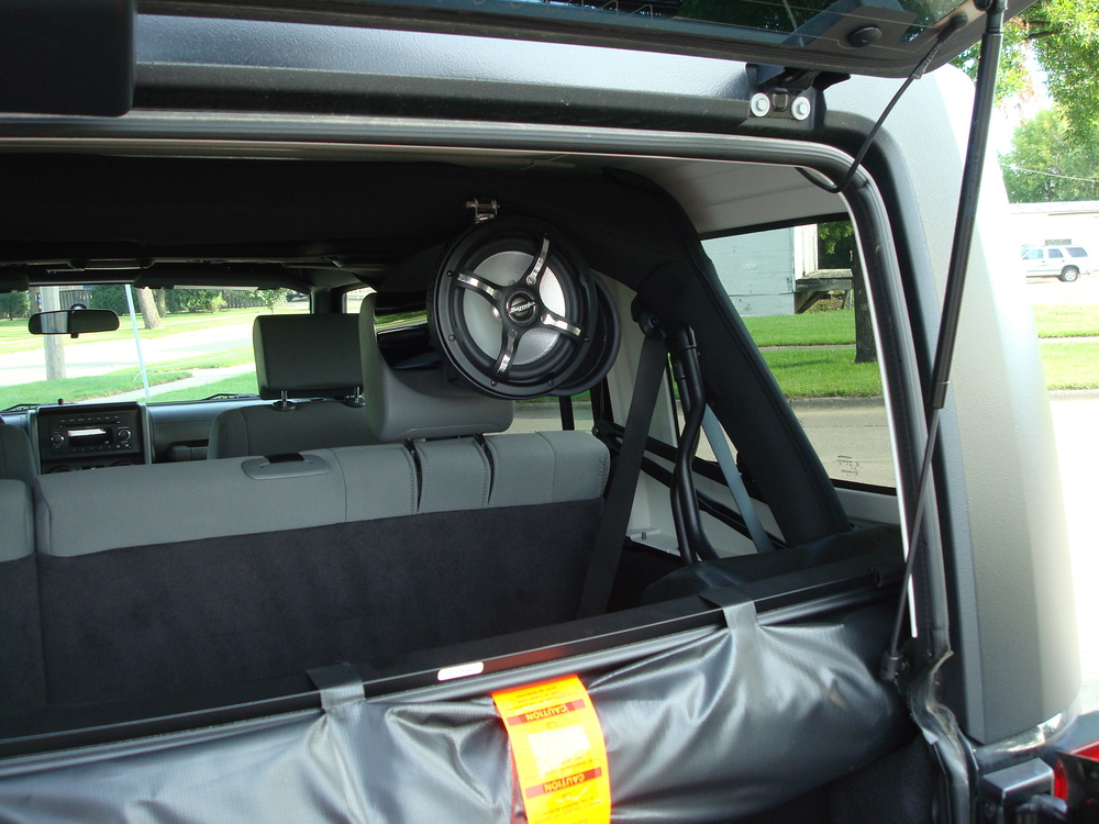 2010 Jeep Wrangler - Tower speakers added for radio station location broadcasts