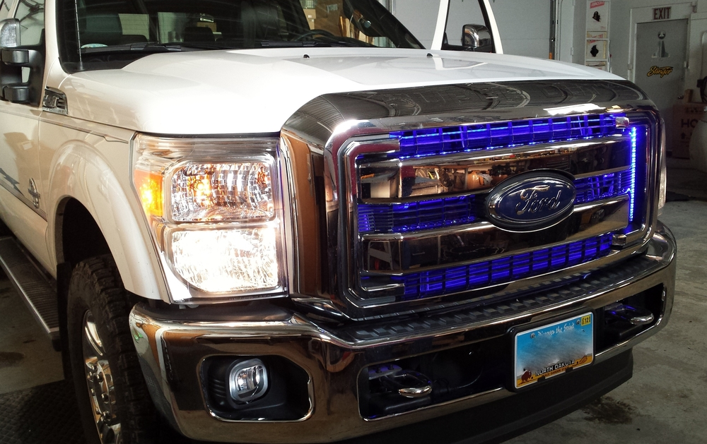 2015 Ford F250 LED Accent Lighting in Grille