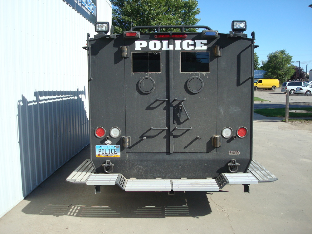GFPD Swat Team Bearcat Armored Vehicle - Navigation Head Unit, Speaker & Rear Camera Installation