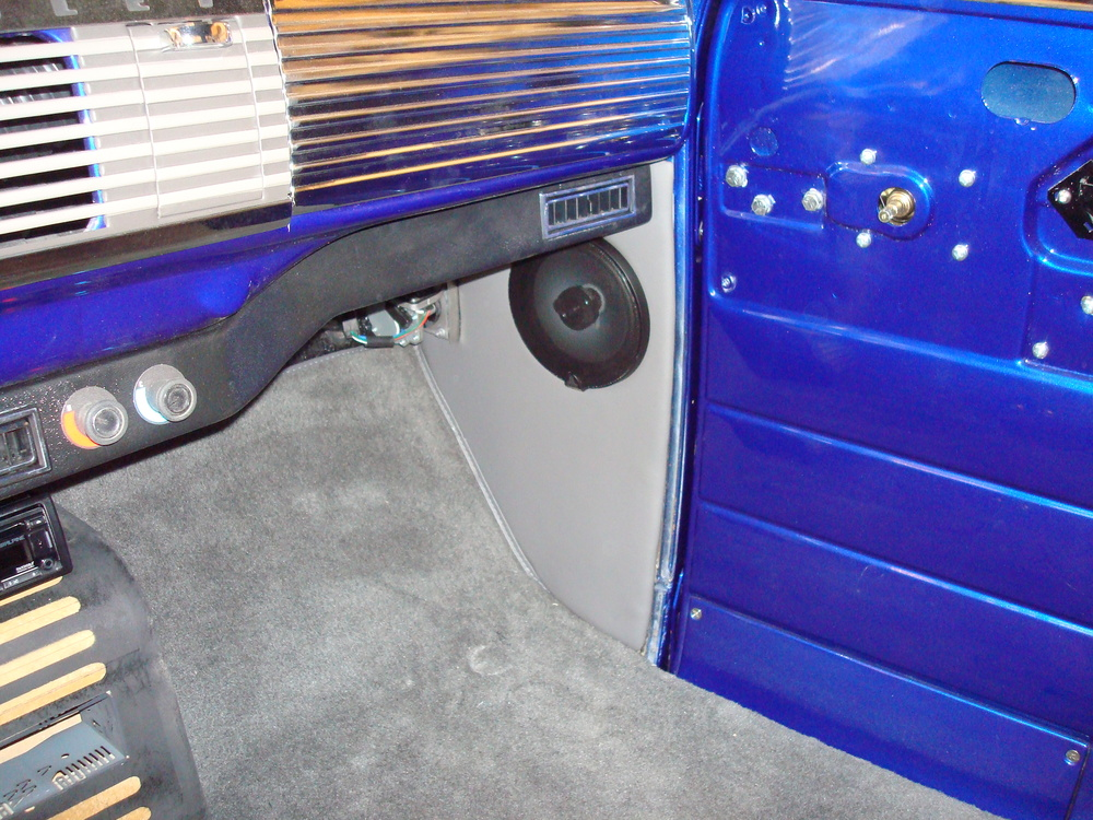 1950 Chevy - Kick Panel Speakers & Finish Paneling