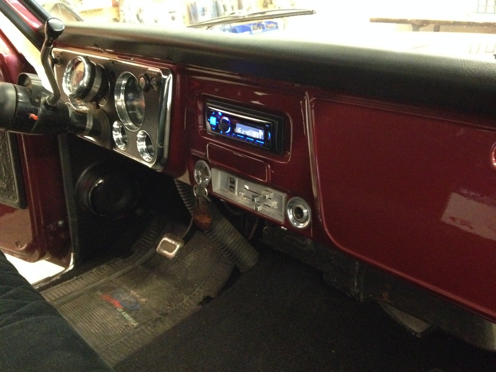 1969 Chevy C10 - Alpine CD Bluetooth Receiver & Alpine Type R Kick Panel Speakers