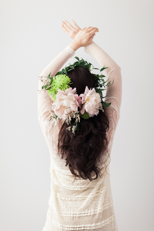 altard-state-fashion-editorial-styling-chelsea-and-the-city-lace-duster-cardigan-peony-flower-crown.jpg