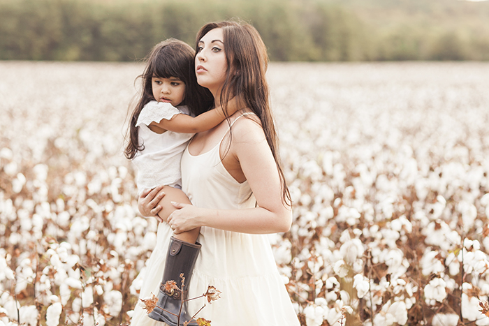 sleepy-fox-photography-chelsea-and-the-city-cotton-field-mother-and-daughter-session-editorial-photographer_1694.jpg