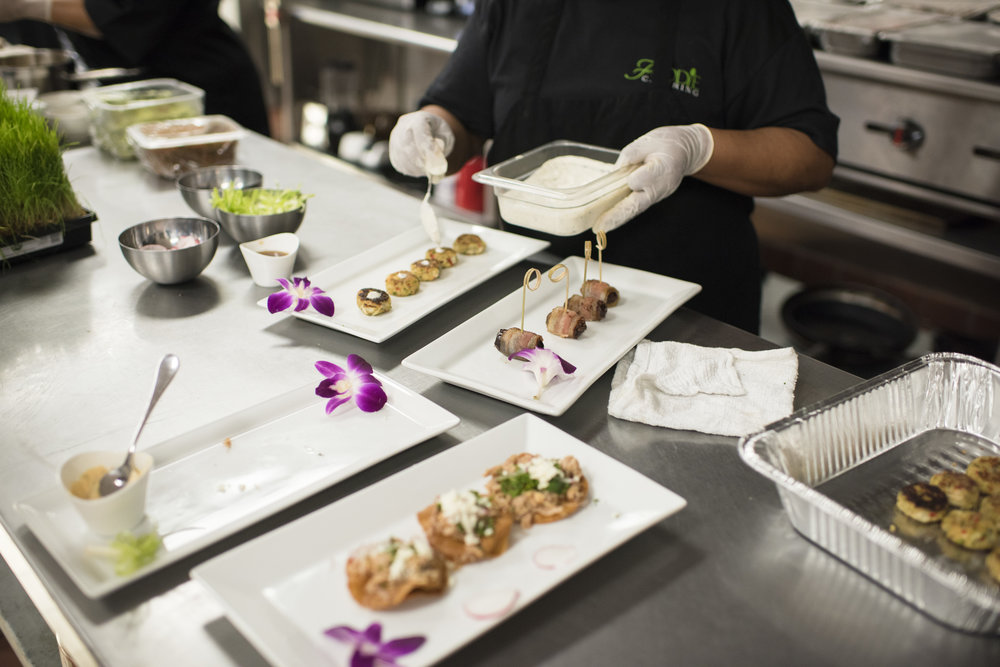 horsdoeuvres in kitchen.JPG