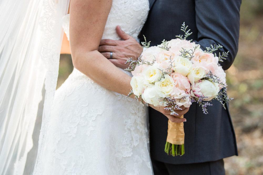 Drake Photography Bride Groom Flowers.jpg