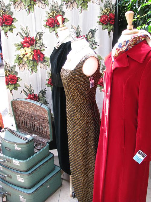toronto_vintage_clothing_show_3coats.jpg