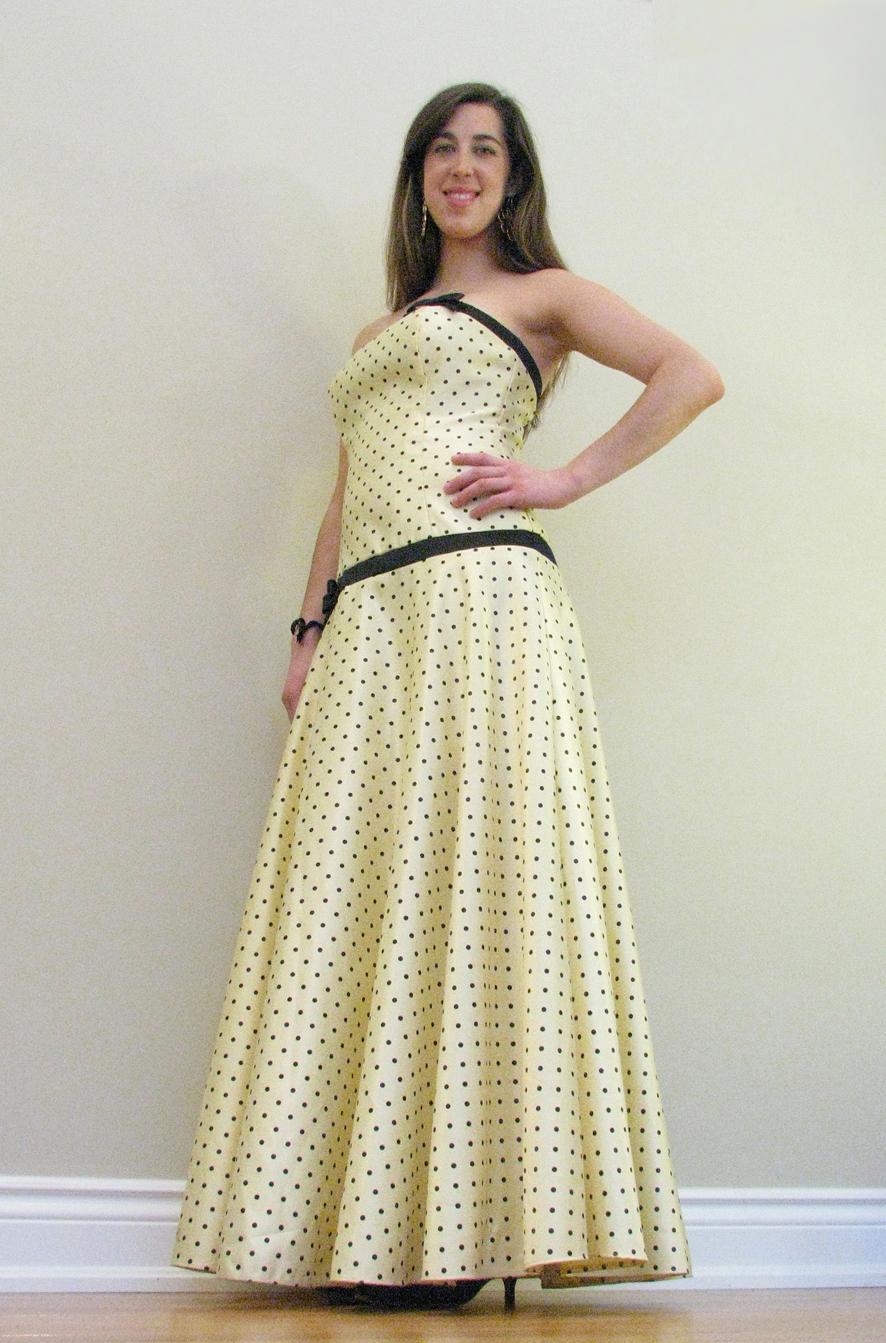 Yellow polka dot-sm.jpg