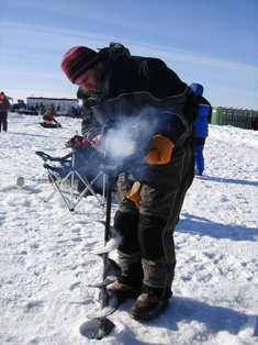 ice fishing5.JPG