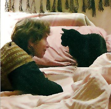 Nan y cat.jpg