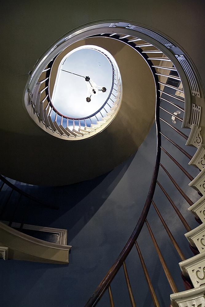 Houmas staircase copy.jpg