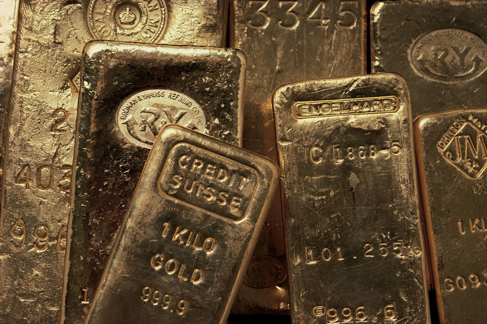 Now may be a great time to invest in gold bullion. Image Credit: Comstock/Stockbyte/Thinkstock.
