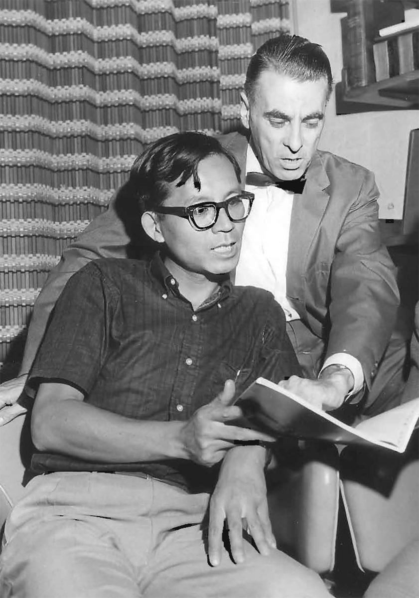 Toshio Fujita (L) and Corwin Hansch (R).