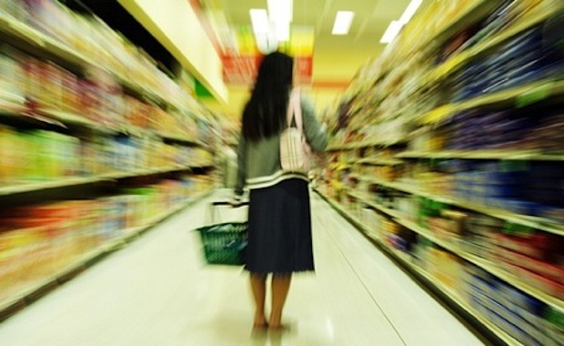 woman-shopping-grocery-store