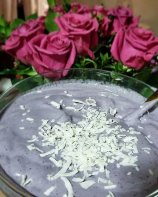Delicious homemade bluebbery #nicecream topped with unsweetened shedding coconut. Pure Romance. 😍🌹