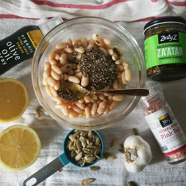 Attempting to make a different spin on traditional hummus for @thedamonvalley and his craving (plus, we forgot to get his favorite sprouted hummus at the store!!! 😢). So, I'm making do with what I've got at the house. Pepitas to sub for tahini, #Cannelinnibeans to sub for #Chickpeas and #Zataar to make it up fancy - like. This time, I MAY just follow up with a recipe if I like what went down.... 👍🏿#hummuslife