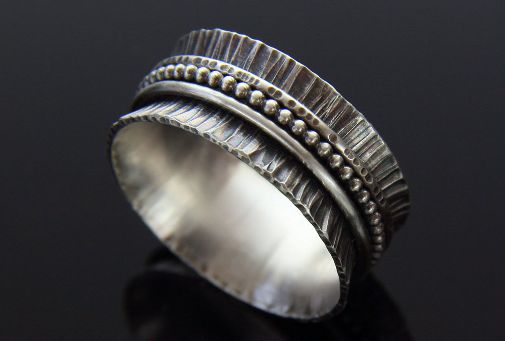 Ruffled Spinner Ring