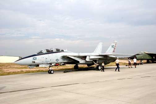 F-14_Tomcat_001.jpg