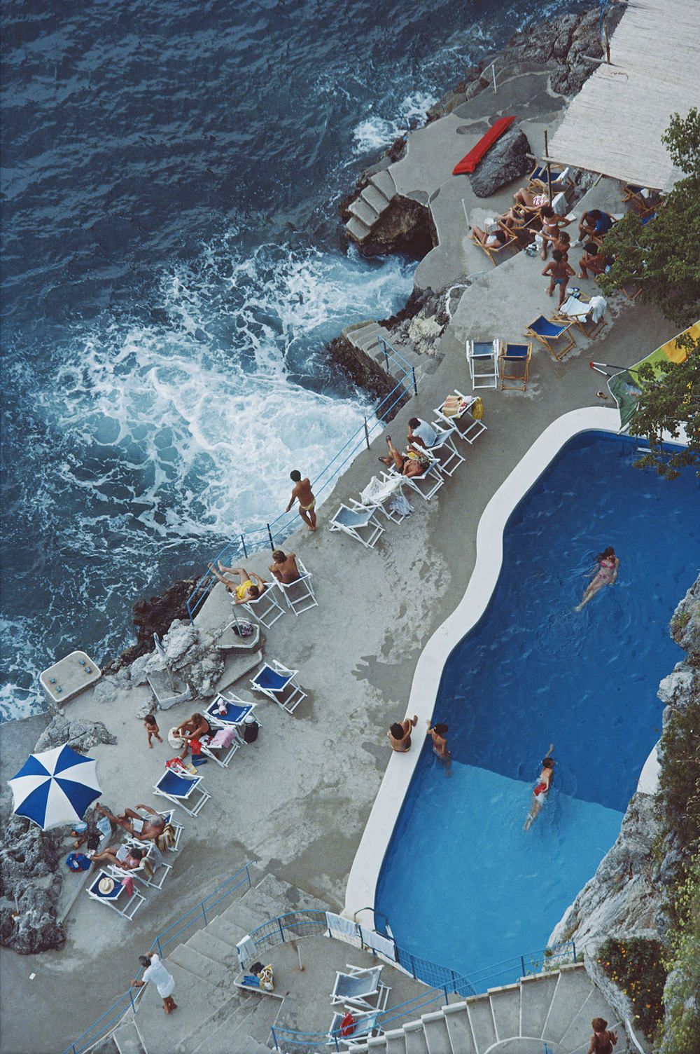 Slim Aarons,The seaside pool at the Hotel Santa Caterina in Amalfi, Italy, 1984.C-print