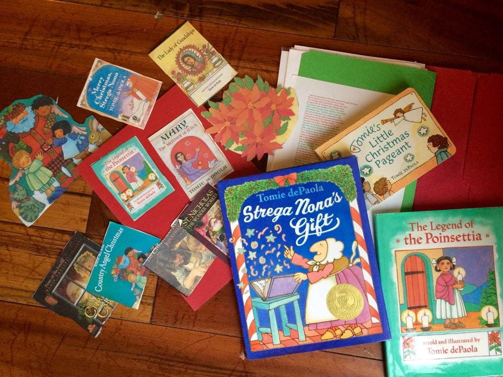 Lot of 15 Tomie De Paola Picture Books