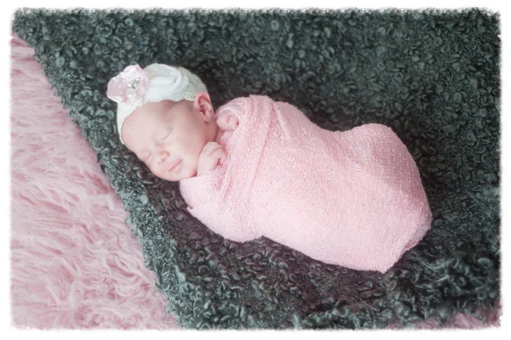 Samantha Newborn-11.jpg