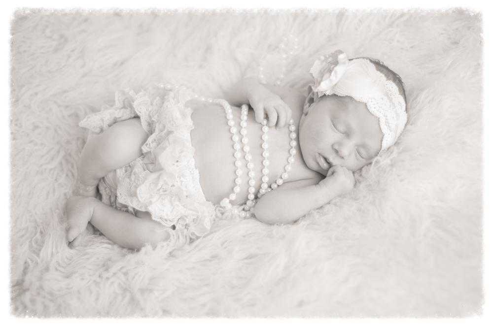 Samantha Newborn-138.jpg