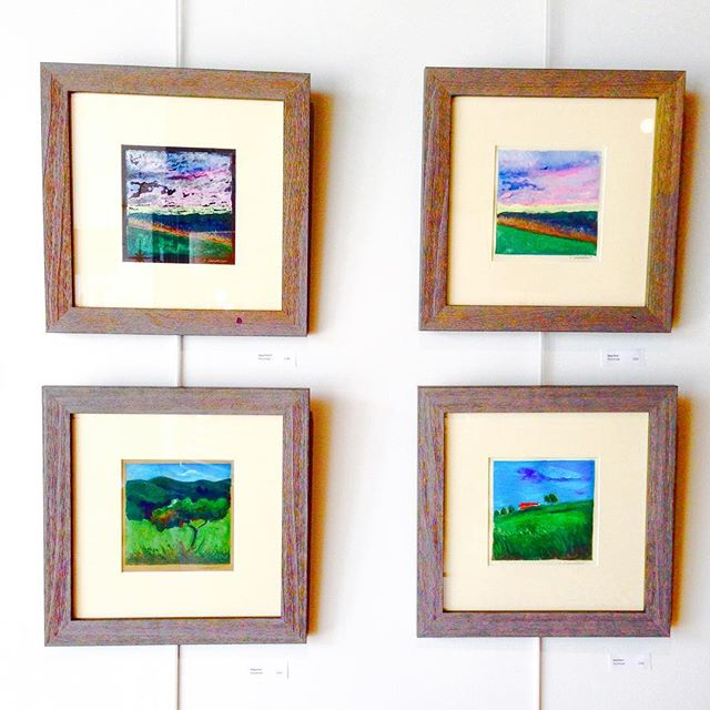 Drop by this afternoon for a pop up art show with Susan Dubrunfaut! We love her color saturated pieces that would enhance any space 😍 Pop up runs from 2-4pm at Reconsidered Home, 15 E State Street in the heart of Media, PA! #art #shoplocal #15estate #visitmediapa #reconsideredhome #localartist