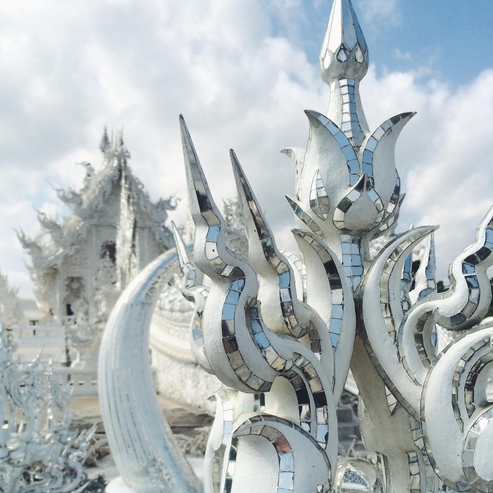 White Temple Chiang Rai Thailand | DesignComb