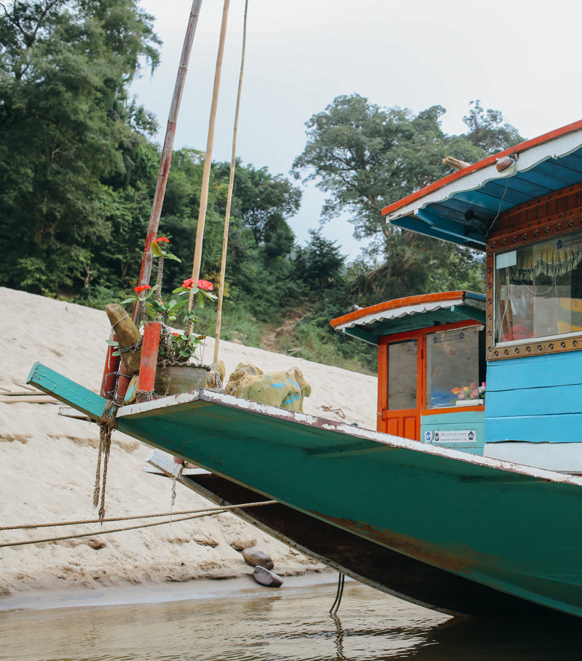 Slow Boat from Thailand to Laos | DesignComb