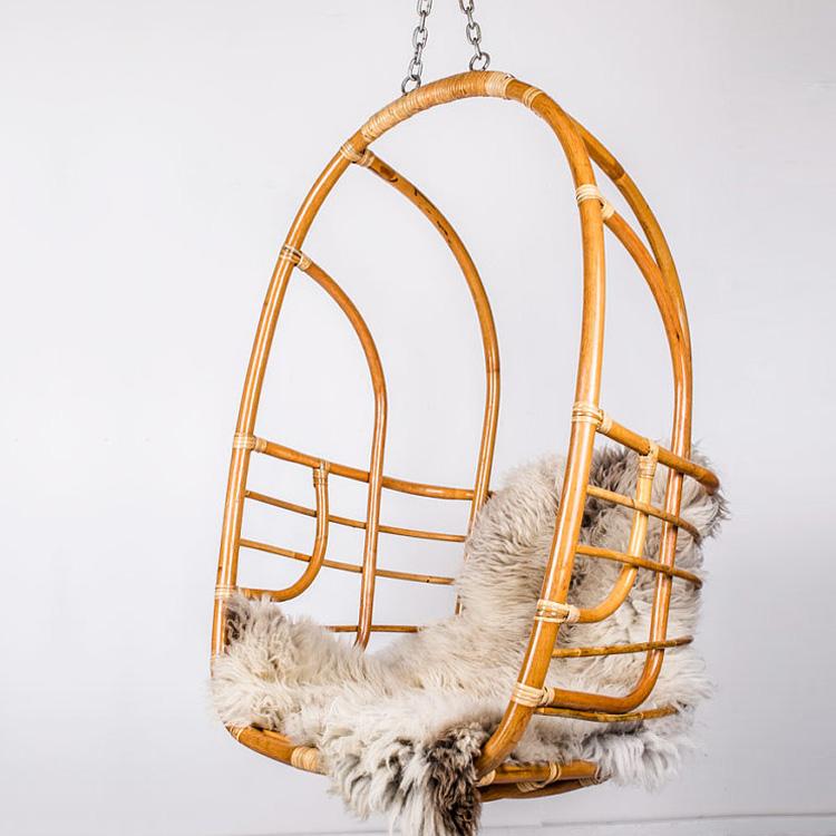 Hanging rattan chair | DesignComb
