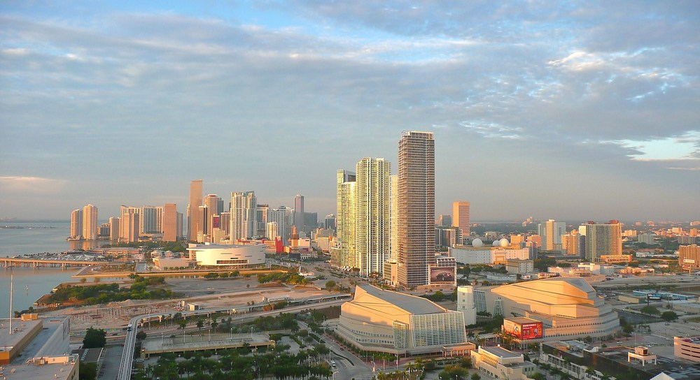 Miami_skyline_summer_2011.JPG